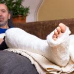 傷病手当金の金額がすぐわかる「早見表」と減額されるケース