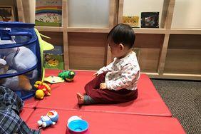 おもちゃもいっぱい!安心して遊べるプレイスペース