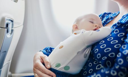 飛行機の子ども料金…2歳以下は無料なの?