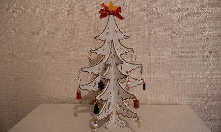 簡単組みたて!見た目もおしゃれなクリスマスツリー