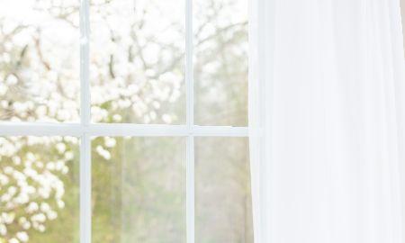 窓ガラスに断熱シートを貼って冷気を遮断しよう!