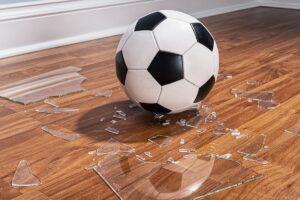 子どもが物を壊したり人にけがさせたときに備える損害保険